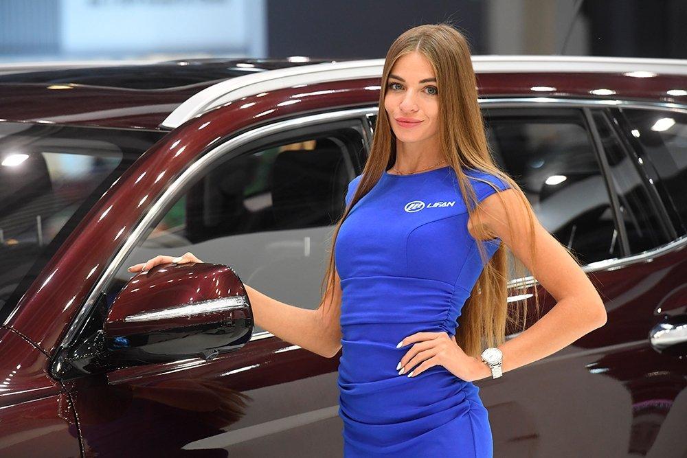 Работа в автосалоне моделью работа для девушек в спб с ежедневной оплатой